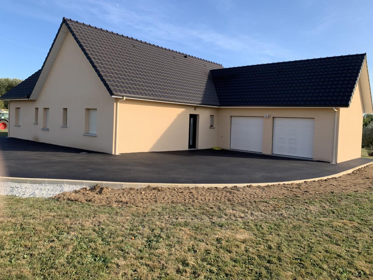 Construction de maison individuelle passive et BBC (murs en polystyrène et béton)